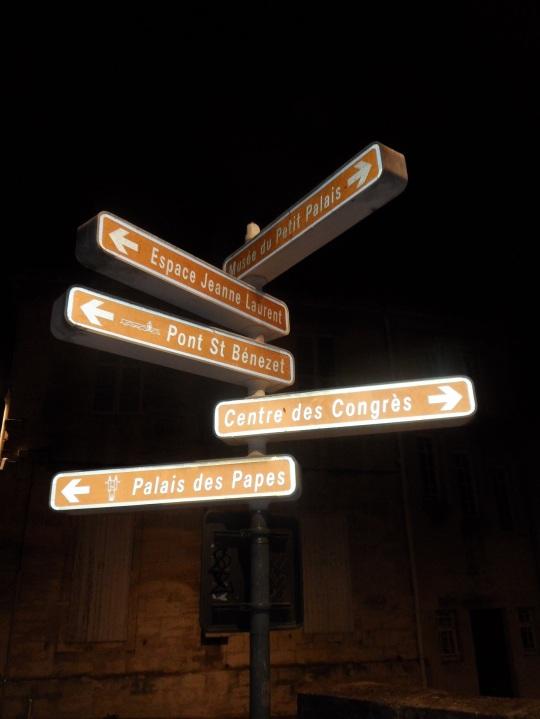 Par les rues d'Avignon h